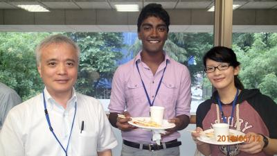 With Professor Nozaki (left) and my supervisor (right)